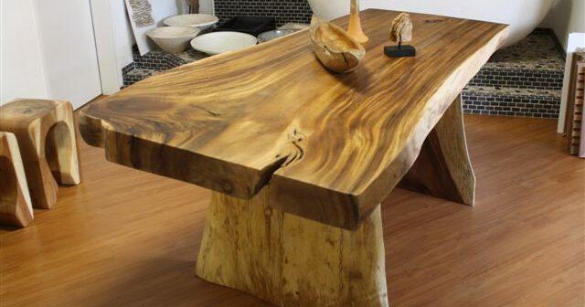 Massivholztisch aus Soar