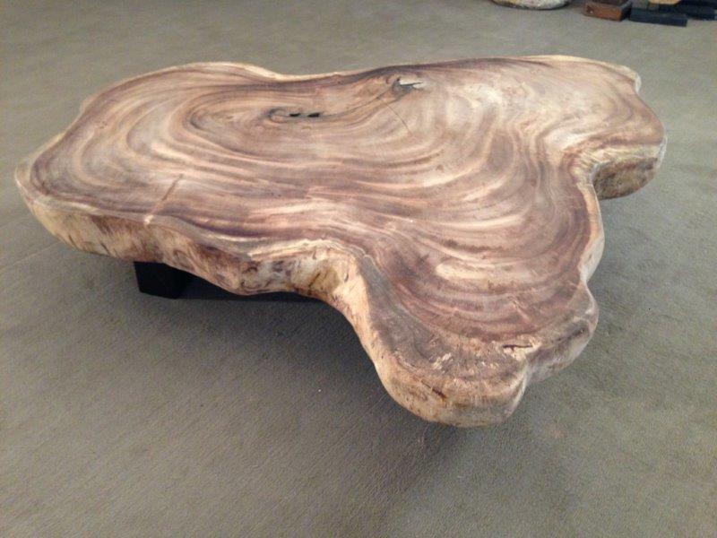 Tisch aus baumscheibe m bel inspiration und innenraum ideen for Wohnzimmertisch baumscheibe
