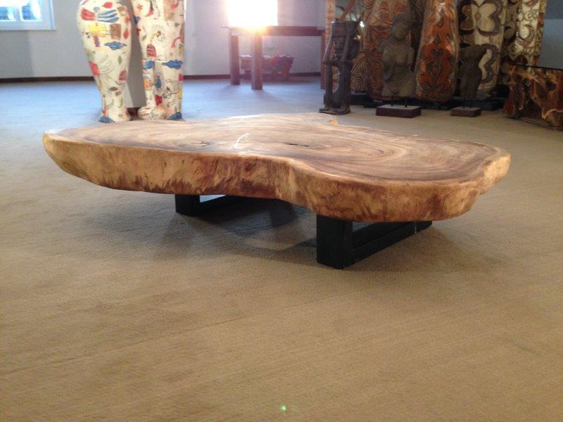 wohnzimmertisch aus einer baumscheibe der tischonkel. Black Bedroom Furniture Sets. Home Design Ideas