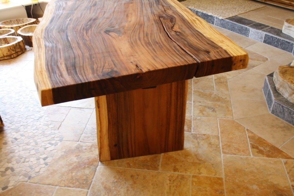 Tisch Aus Einer Baumscheibe Suar Lnge 200 220 Cm Der Tischonkel