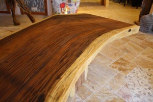 Baumstamm Tisch