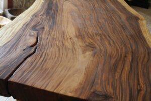 Massivholztisch Baumstamm