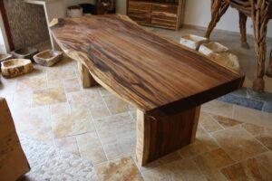 Tisch Baumstamm massiv