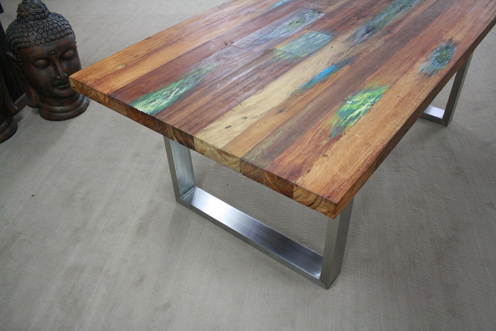 Tisch aus recyceltem Holz : Der Tischonkel