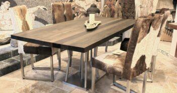 Esstisch mit Tischgestell aus Edelstahl