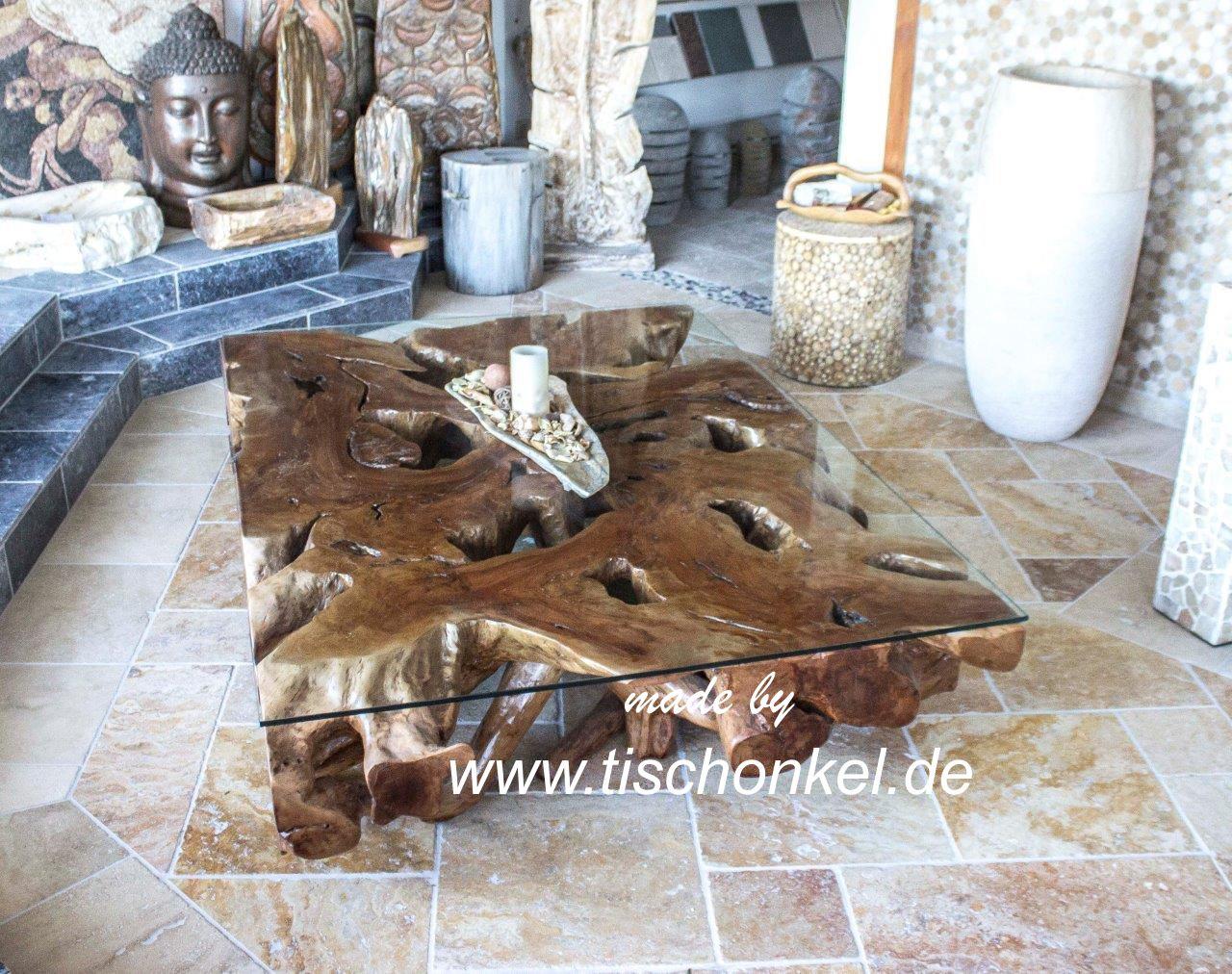 Grosser Couchtisch aus einer Baumwurzel  Der Tischonkel