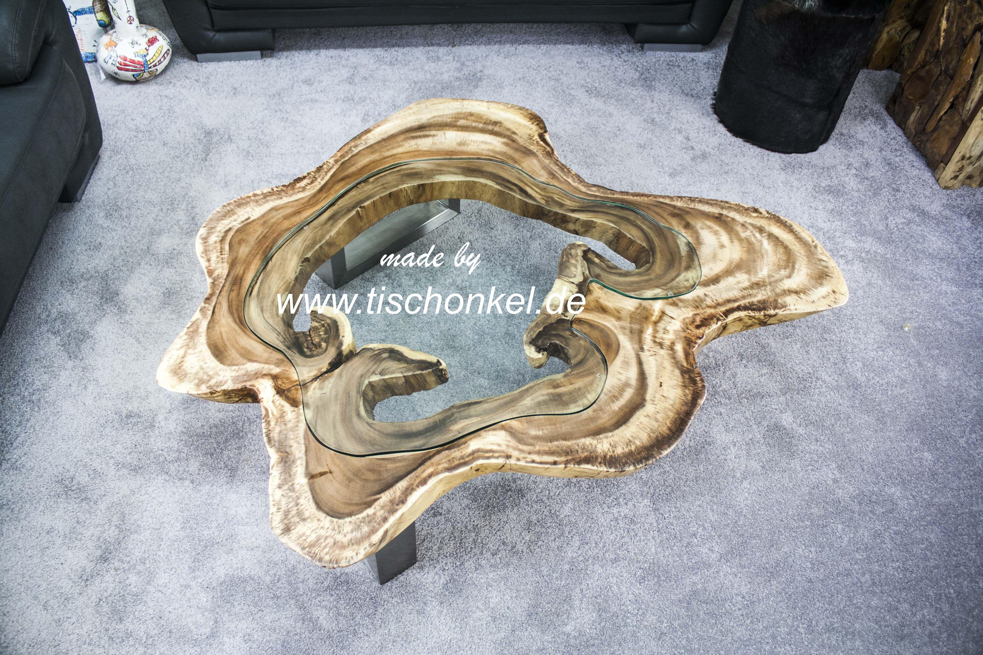 Couchtisch aus einer Baumscheibe mit Glasplatte  Der