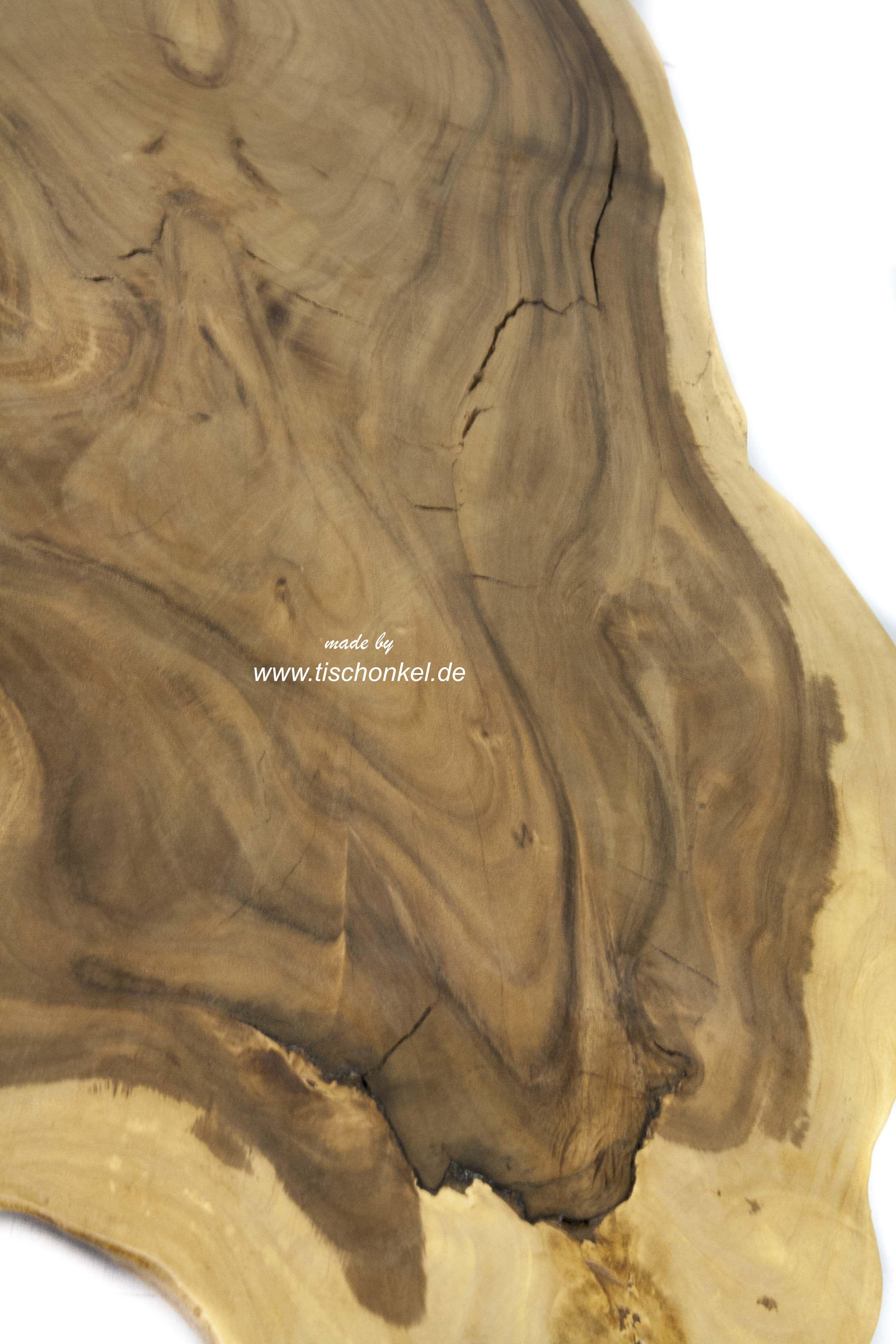 Couchtisch aus einer Baumscheibe  Der Tischonkel