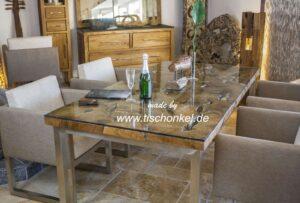 design esstisch aus altholz mit edelstahlgestell der tischonkel. Black Bedroom Furniture Sets. Home Design Ideas