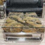 Couchtisch aus Glas mit Baumwurzel