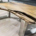 Couchtisch aus einem Baumstumpf Teak mit Glaseinleger und Tischgestell aus Edelstahl