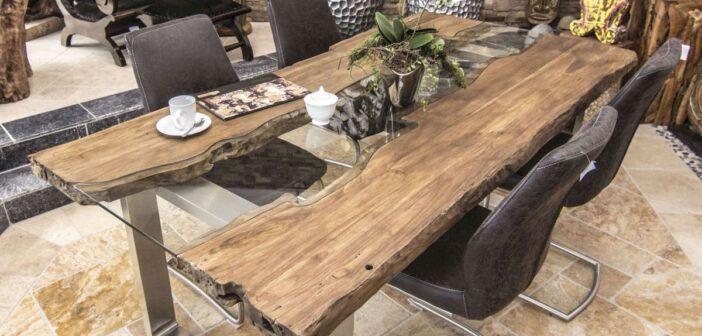 Design Esstisch aus Altholz