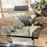 Designtisch Esstisch aus recyceltem Holz mit außergewöhnlichen Glaseinlegern und einem Gestell aus Edelstahl