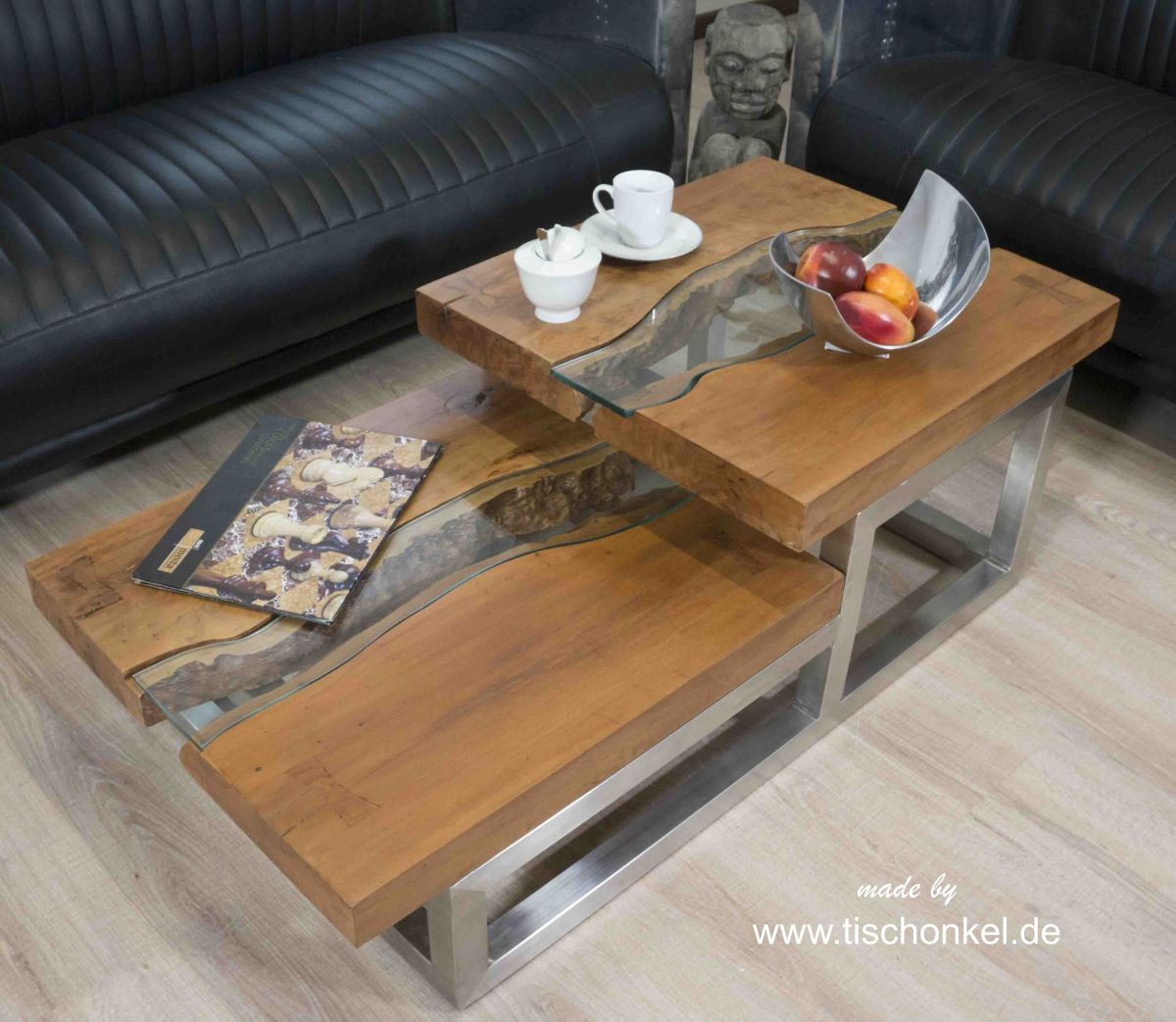 eleganter couchtisch aus holz der tischonkel. Black Bedroom Furniture Sets. Home Design Ideas
