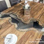 Esstische aus altem Holz