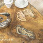 Zeitloser Couchtisch aus einem Baumstamm mit außergewöhnlichem Design