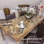 Altholz Esstisch mit Glasplatte