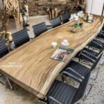<h2>Esstisch Konferenztisch aus einer massiven Bohle</h2>