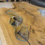 Kleiner Couchtisch aus Holz