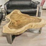 Kleiner Wohnzimmertisch aus Holz