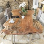 Massivholz Esstisch aus einem Baumstamm