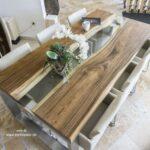 Stilvoller Esstisch aus Holz