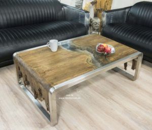 Designer Couchtisch aus Holz mit Edelstahl und Glas