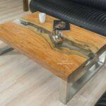 Eckiger Designer Wohnzimmertisch aus Holz mit Edelstahl und Glas