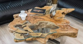 Edle Designer Couchtische aus einem Baumstamm