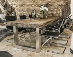 Designer Esstisch aus Altholz