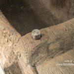 Einzigartiger Couchtisch aus einem antiken Reismörser mit Glasplatte