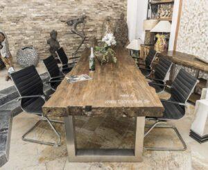Esstisch aus Massivholz 300 cm