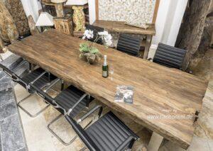 Esszimmertisch aus Altholz 300 cm