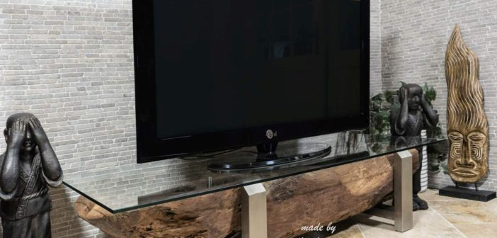 TV-Board aus Holz