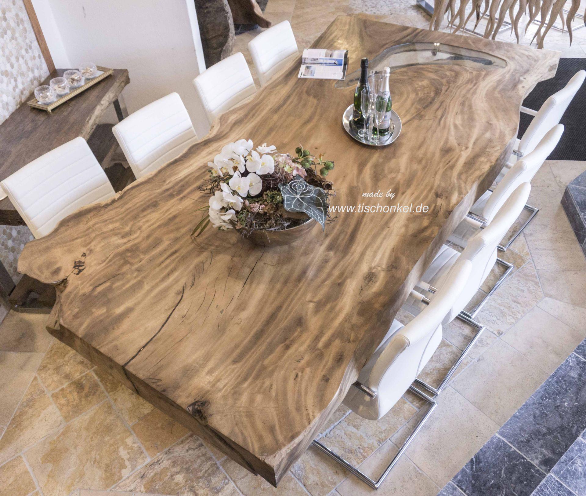 Massiver Esstisch aus einem Baumstamm - Der Tischonkel