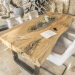 Massiver Esstisch aus Baumstamm