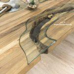 Wohnzimmertisch aus Holz mit interessantem Design