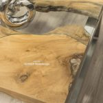 Couchtisch aus Holz mit glas