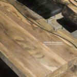 Esstisch mit Holz