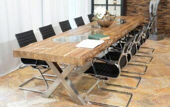 Langer Konferenztisch