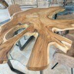 Tisch aus einer Baumscheibe