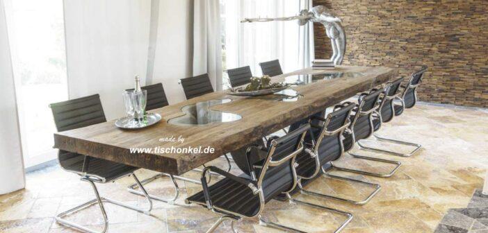 Langer Esstisch für 10-12 Personen