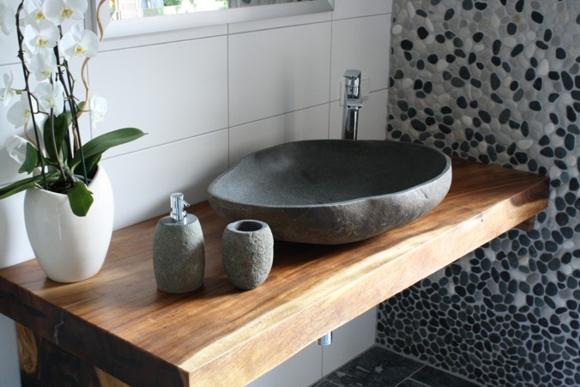 Flusskiesel F?r Dusche : FLIESENONKEL – Traumbad mit Flusskiesel und Steinwaschbecken (Bild 1